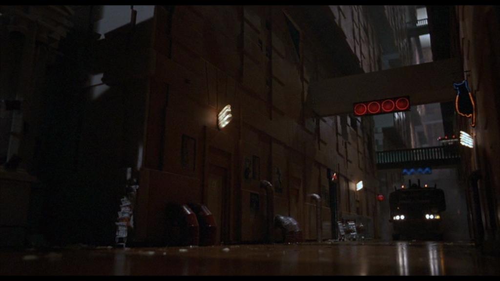 "Lower Street Levels in ""Brazil"" (1985) [01h:34m:11s]"