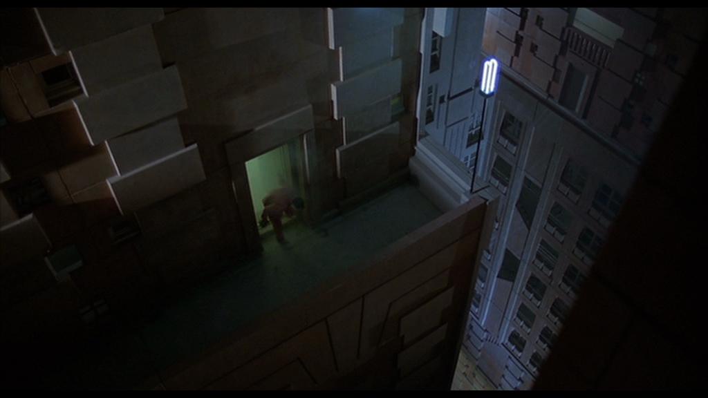 """Upper Levels in """"Brazil"""" (1985) [00h:25m:14s]"""
