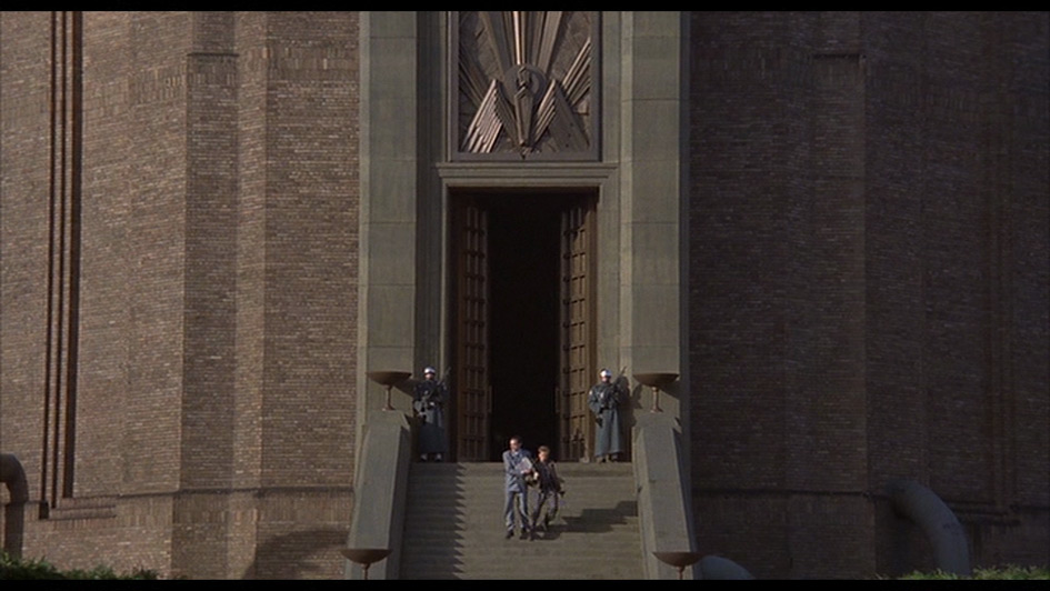 "Entrance of HQ in Terry Gilliam's ""Brazil"" (1985) [01h:49m:30s]"